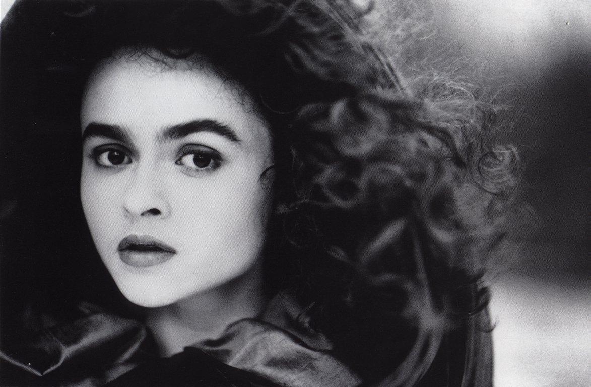 http://4.bp.blogspot.com/-_OuLfiETISE/Td6RpXLa3eI/AAAAAAAABQg/PrViy0KgRUM/s1600/Helena_Bonham_Carter_Biography.jpg