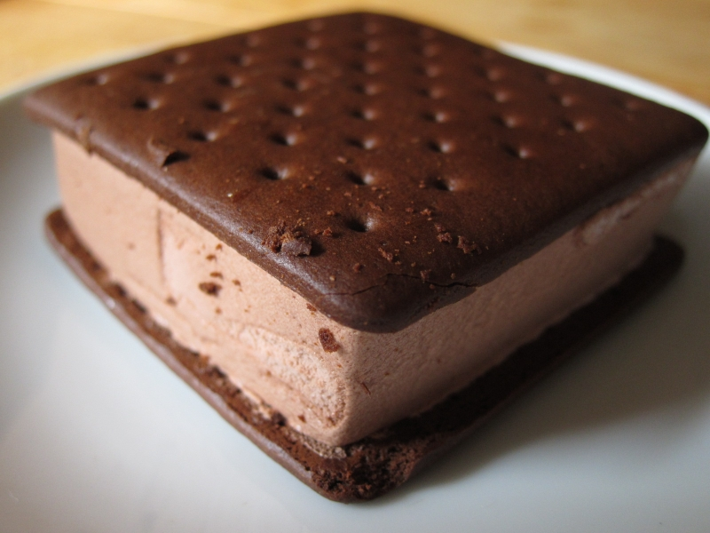 Review: Klondike - Chocolate Ice Cream Sandwiches | Brand ...