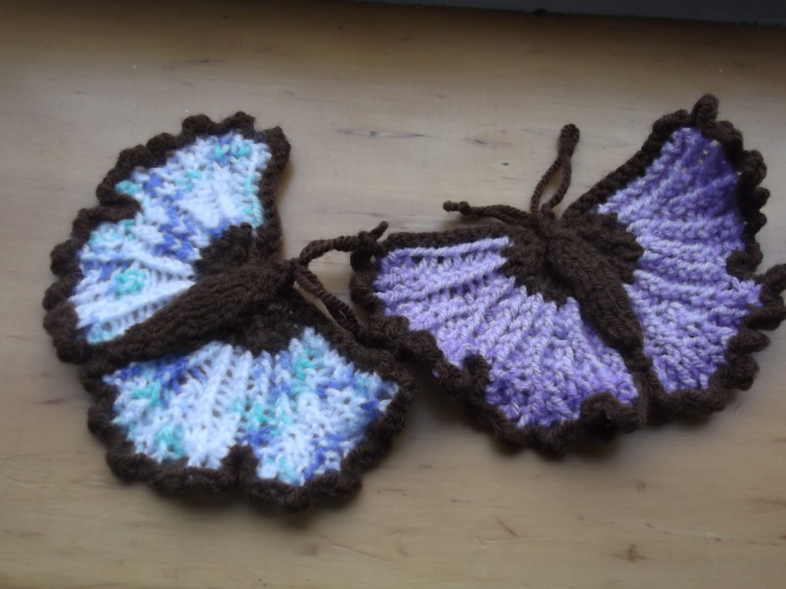 Knitting Pattern Butterfly : Margarets designer cards knitted butterflies