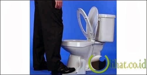 Pembuka Tutup WC
