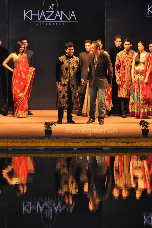 Ram Charan Teja Walks Ramp in TAJ KHAZANA Lifestyle Fashion Show release images