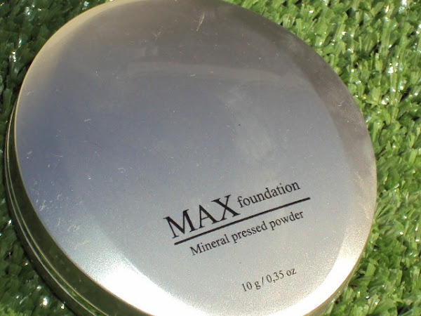 Max Mineral Pressed Powder.