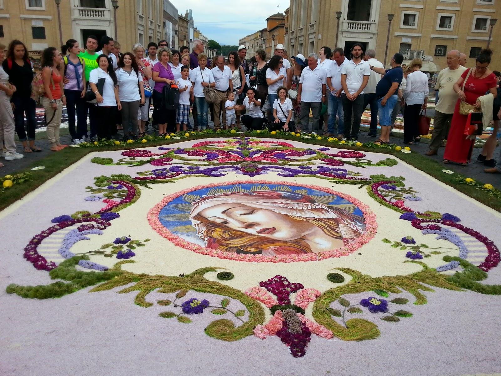 Image result for фестиваль цветочных ковров италия