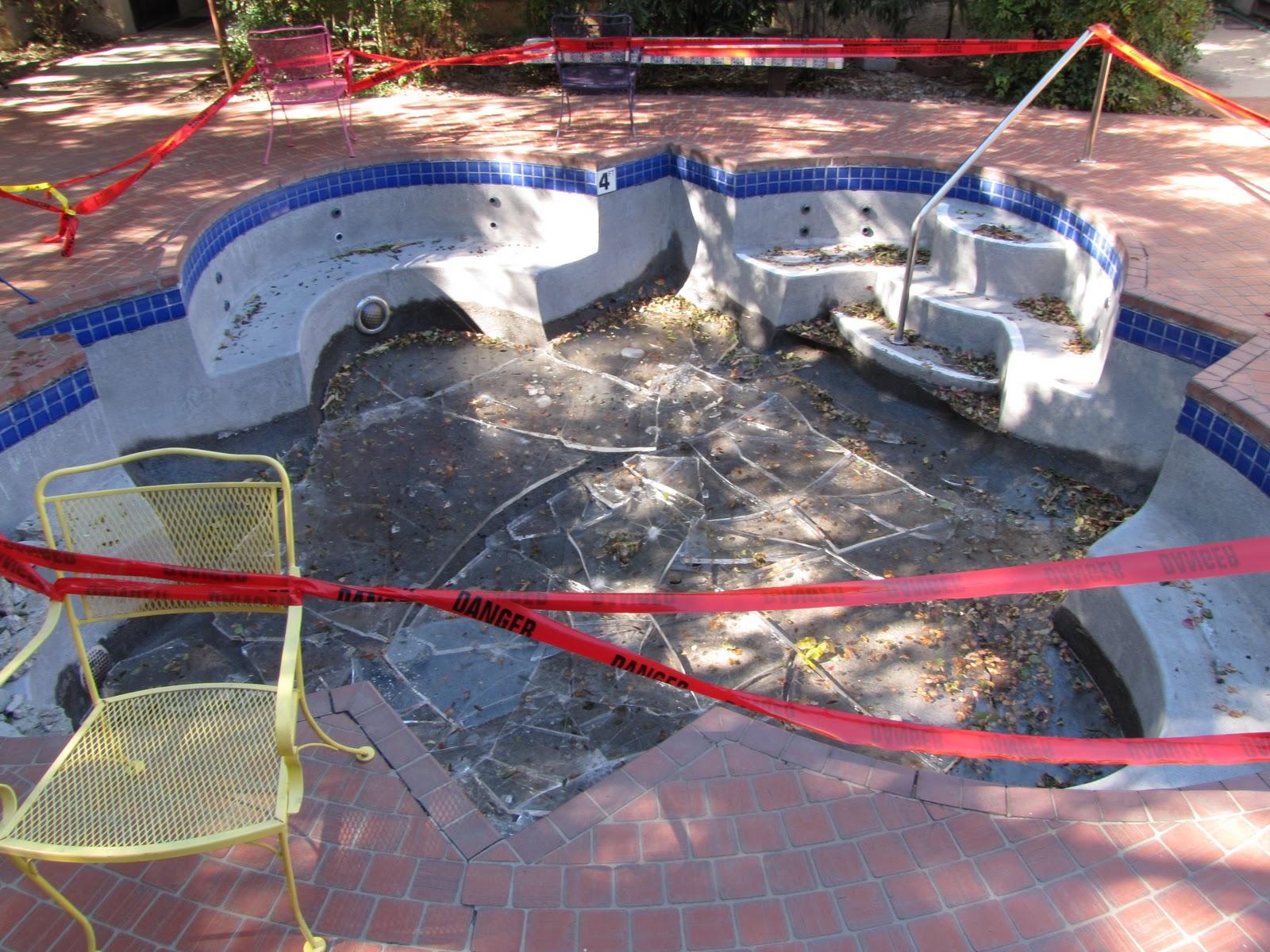Las aventuras repurposing swimming pools for Repurposed swimming pool
