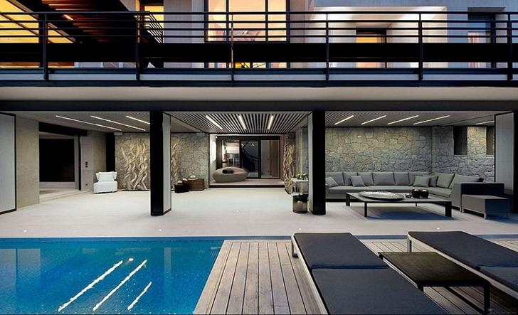 Ground floor terrace in Modern Bayview Villa In French Riviera