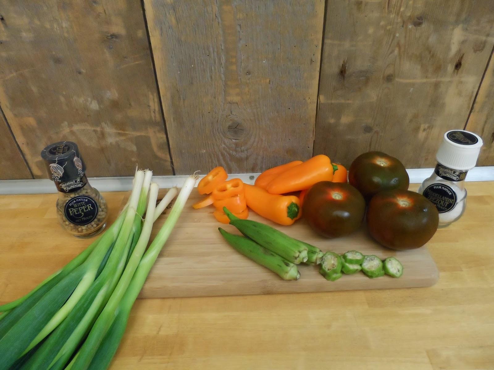 westlandpeppers warme salade met okra bacon kumato. Black Bedroom Furniture Sets. Home Design Ideas