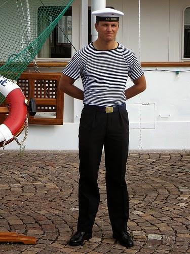 El hombre cl sico y moderno qu es el estilo navy for Que es el estilo clasico