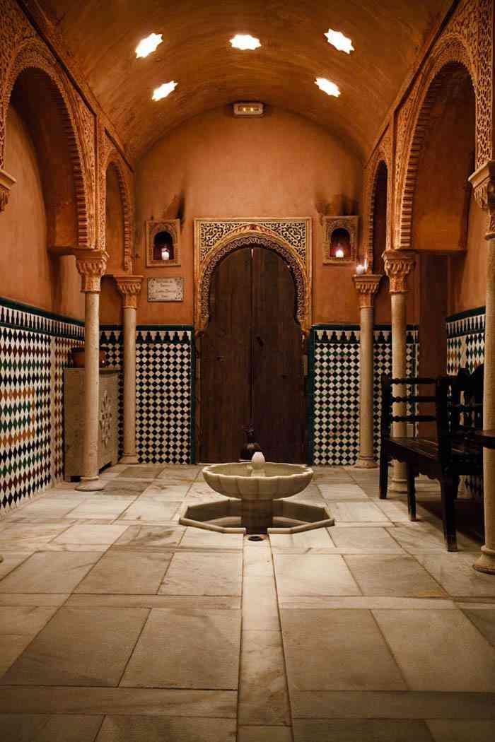 Baño Arabe Hammam Granada:La misma empresa tiene también otros dos baños árabes, uno en