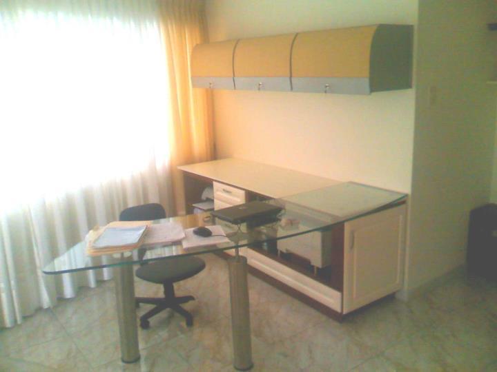 Casa de muebles en valencia finest muebles oficinas for Muebles oficina segunda mano sevilla