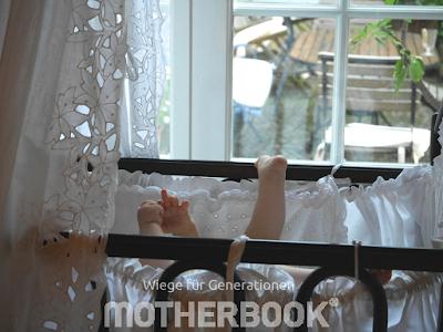 Gastpost Motherbook Großeltern sind für Baby da Runzelfuesschen