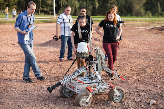 Polish Scorpio Team of the Wrocław University of Technology, the winners of the ERC 2014, during the contest. Credit: ERC