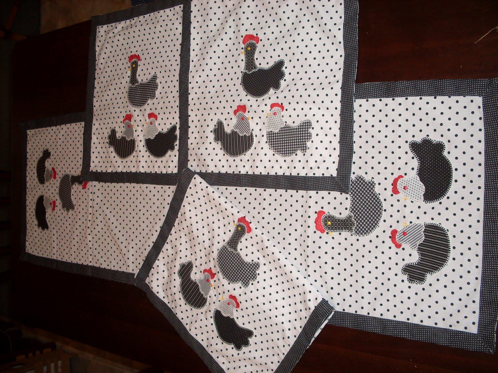 Espaço das Artes Jogo de cozinha (galinhas)