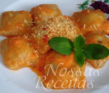 receita de uma deliciosa massa caseira em forma de ravioli recheada com ricota