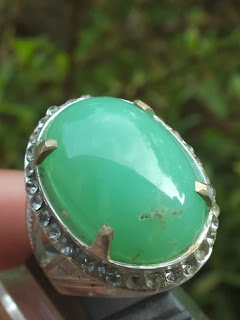 Natural chrysoprase