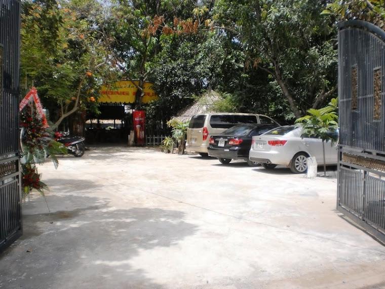 sân đậu xe hơi