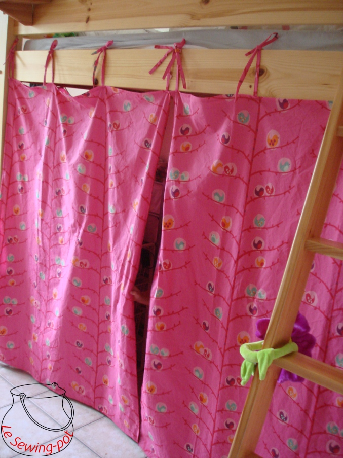Le sewing pot rideaux de lit - Rideaux pour lit cabane ...