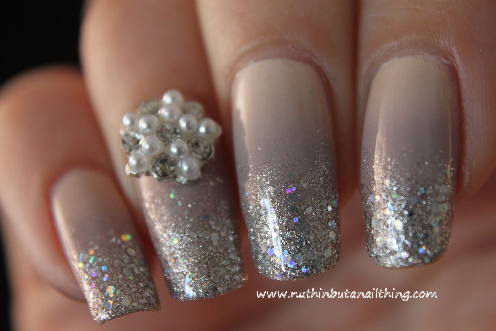 nuthin\' but a nail thing: Nude-sparkle nails