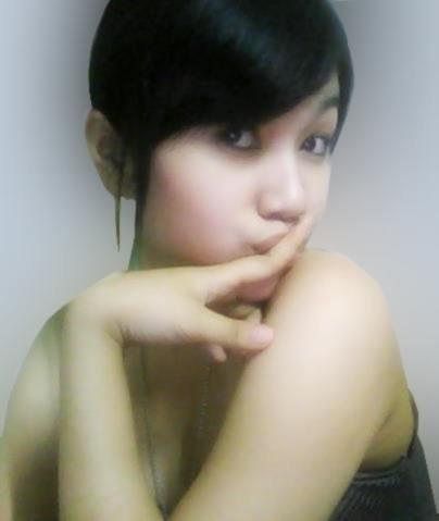 Bibir Tipis Gadis Cantik Bening dan Imut - STRIKE BOLA