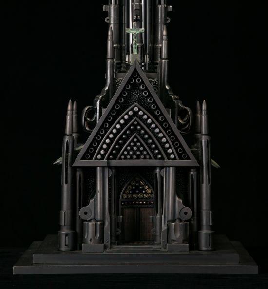 al farrow esculturas relicários templos religiosos símbolos armas munição Santa Guerra