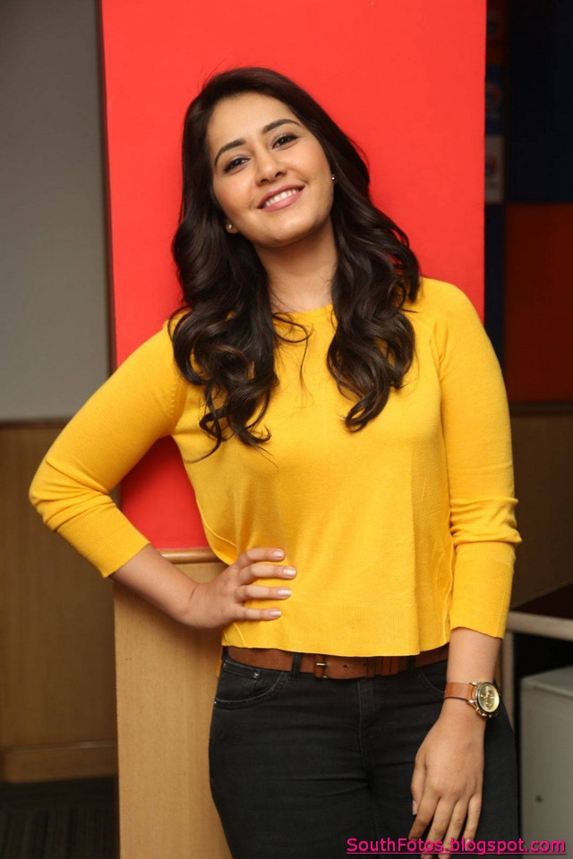 Rashi Khanna HD Photos