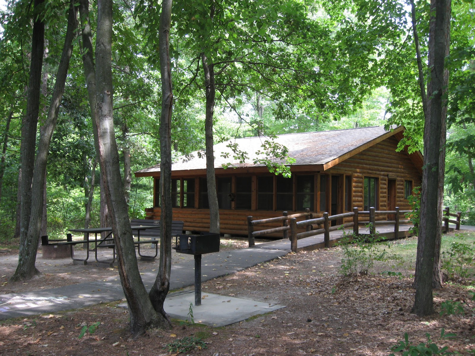 Superb img of Cabin in the Woods.JPG with #649338 color and 1600x1200 pixels