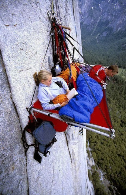 Exteme Adventure Pics,Extreme Camping,Edge Camping Photos,dangerous Camping,strangest camping pics