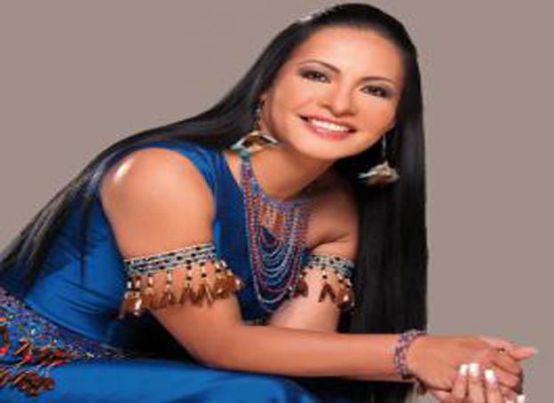 mujer famosas del ecuador: