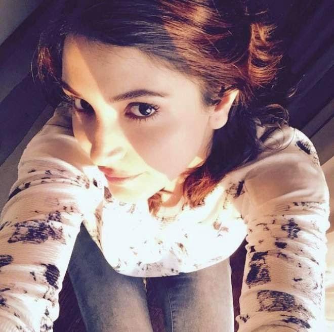 Anushka Sharma Selfie Photos