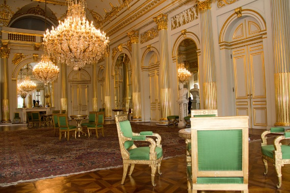 Royalement blog le palais royal la salle empire - Salle du trone versailles ...