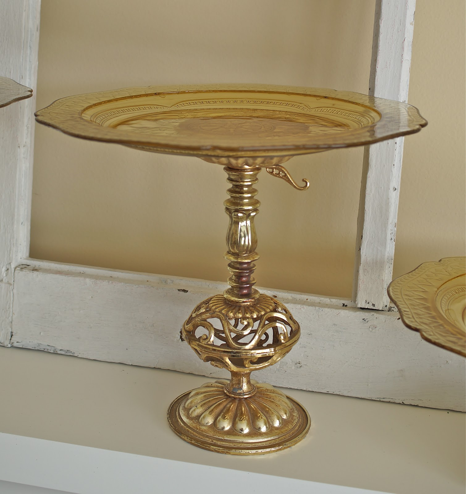 My northern living beautiful gold vintage cake stand buffet for Beautiful cake stands