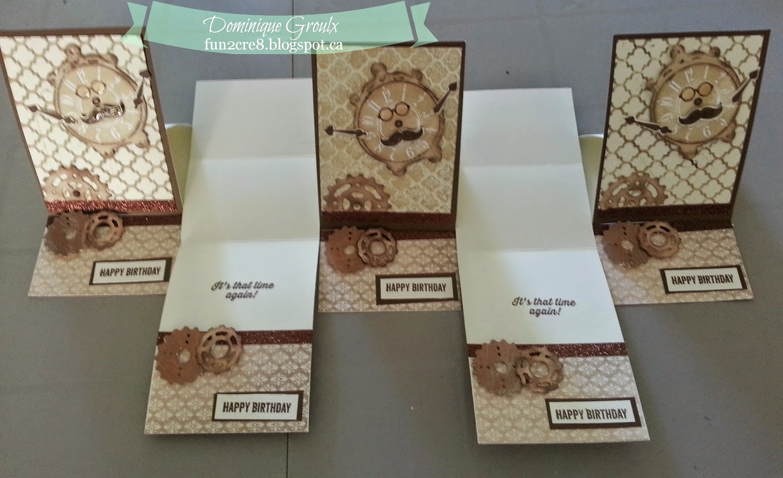 Set of easel cards with clock and gears