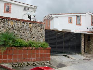 Amplio y Lujoso TownHouse en Venta