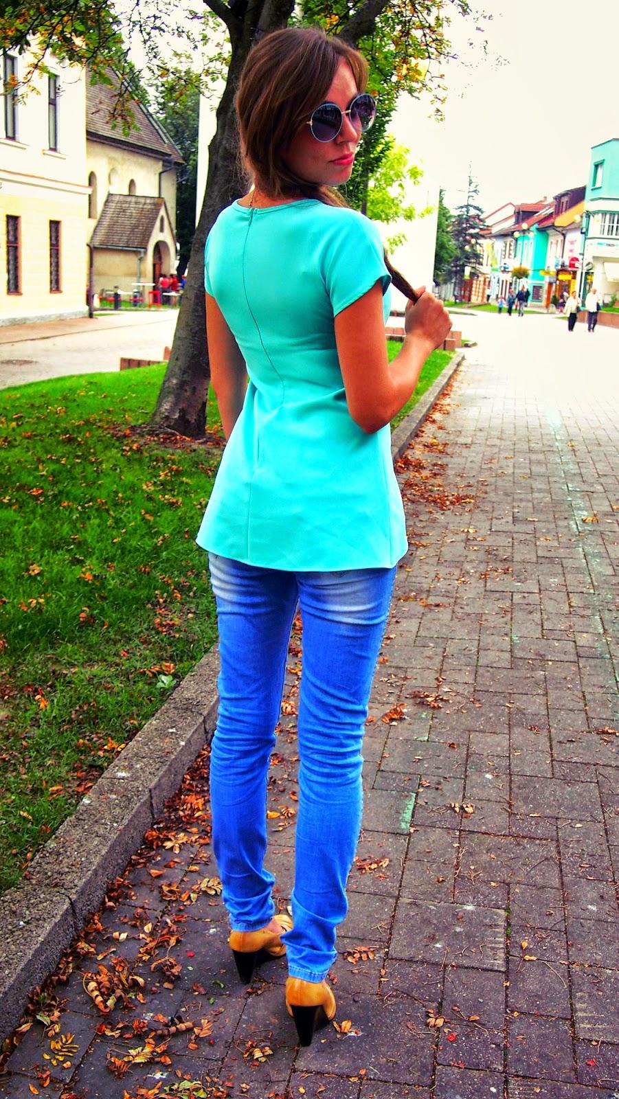 modrá bľuzka