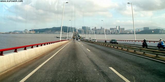 Puente hacia la isla Taipa