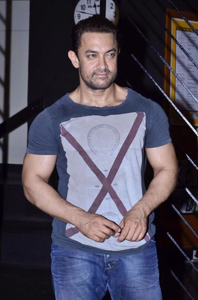 Aamir Khan snapped at Prithivi Theatre