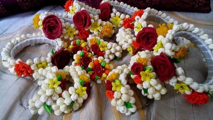 Mehndi Flower Jewellry : Top artificial mehndi flower jewellery designs