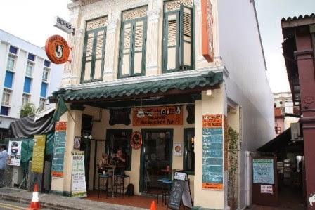 Hotel Ini Terletak Di Dunlop Street Nomor 101 Kawasan Little India Penginapan Hanya Sekitar 10 Menit Berjalan Kaki Dari Stasiun MRT Bugis