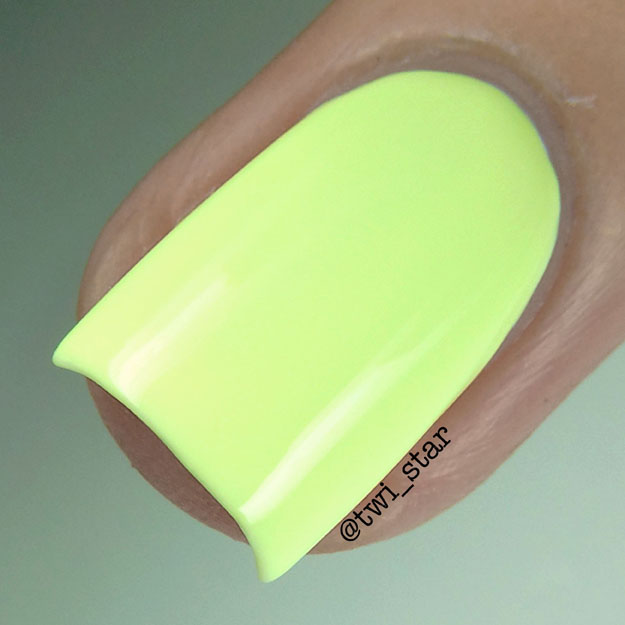 Color Club Poptastic Pastel Neon Collection Under The Blacklight