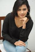 Hebah Patel glam pics in black top-thumbnail-4