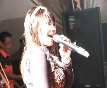 Nyanyian Rindu - Camelia