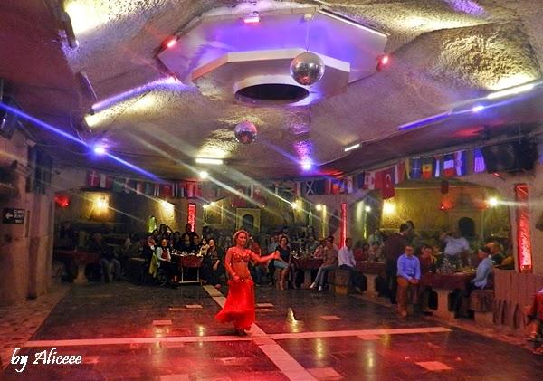 dans-din-buric-spectacol-turcia