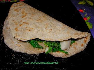 piadine al grano saraceno con broccoli e mozzarisella