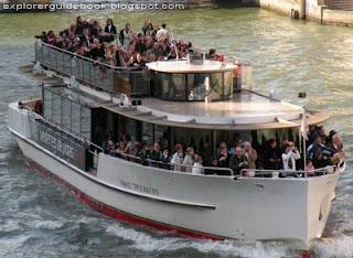 Kapal pesiar Vedettes de Paris Seine
