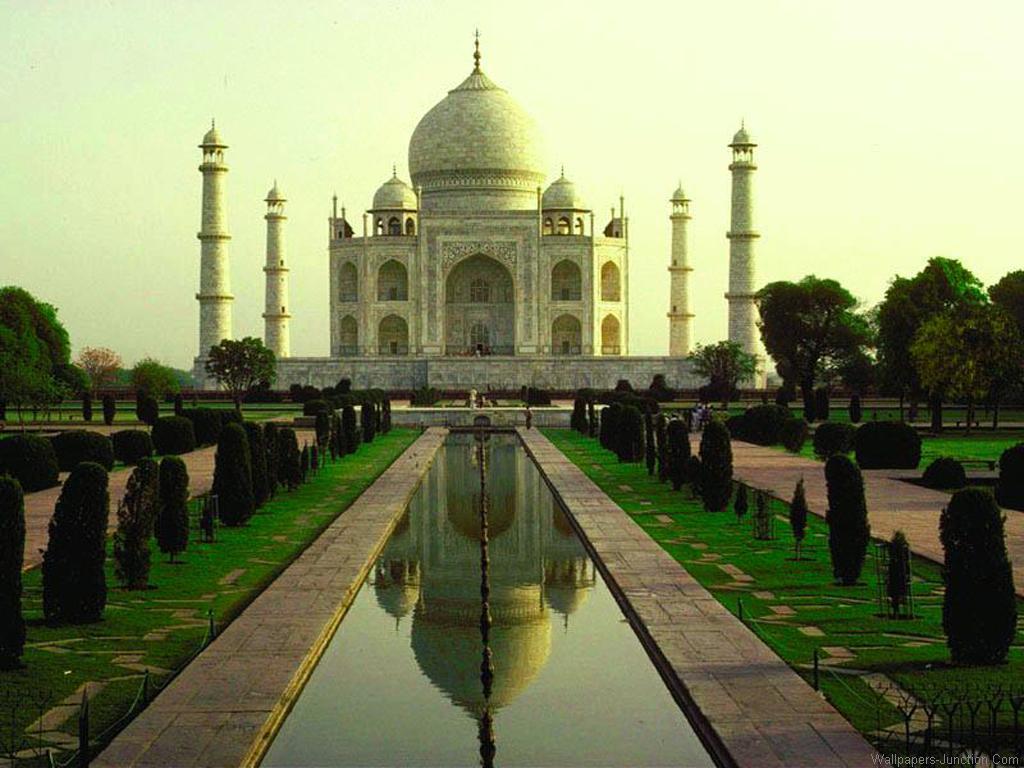 http://4.bp.blogspot.com/-_TF5xZ2XMT0/TuIkHf0m_vI/AAAAAAAAEAc/4pX1iaqLVDI/s1600/Taj-Mahal-Wallpapers.jpg