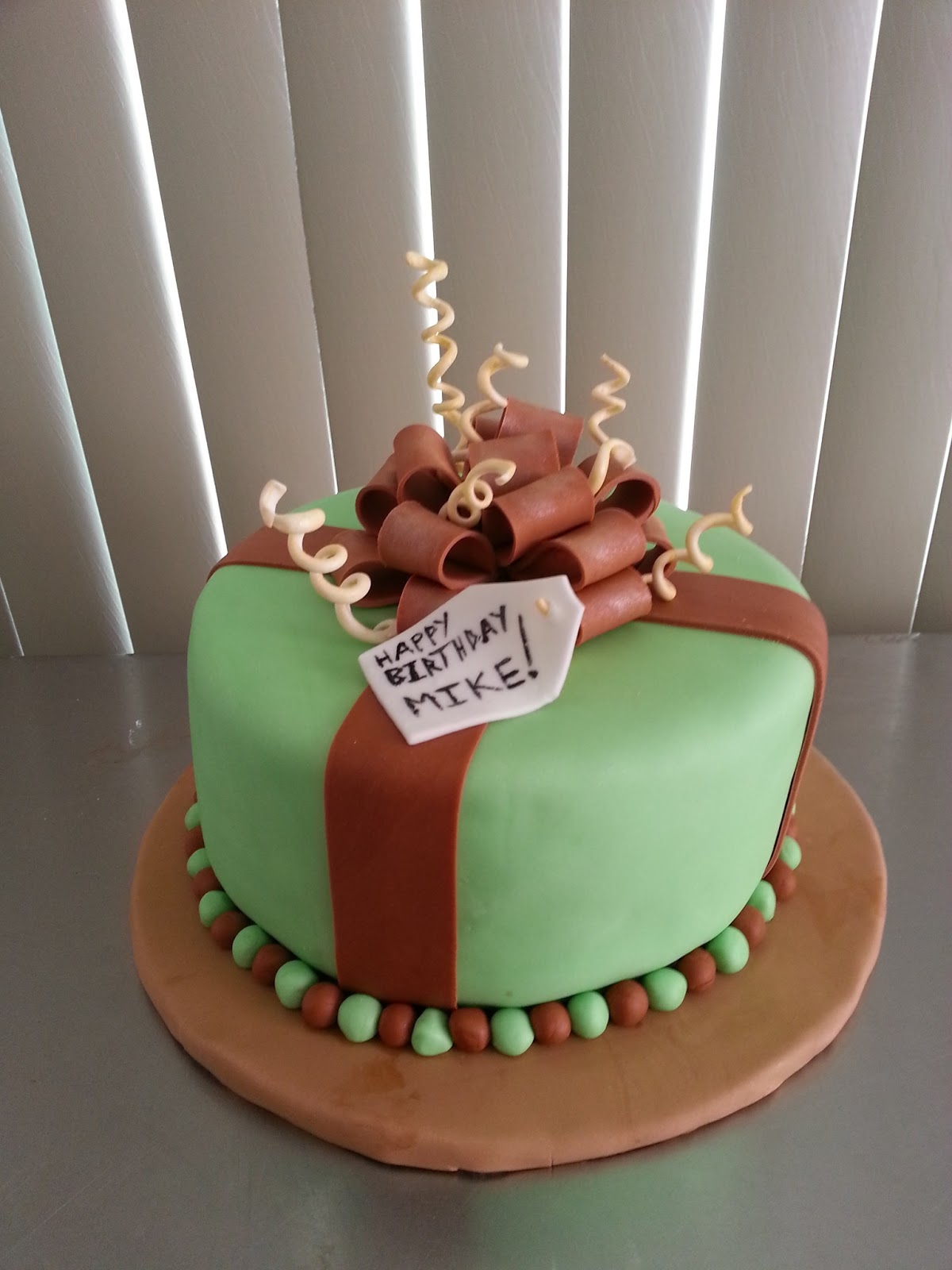 Giftbox Birthday Cake
