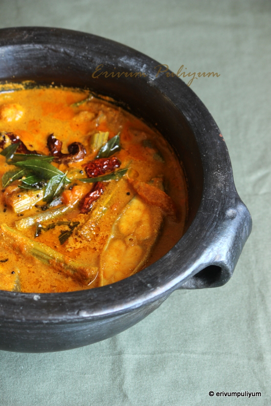 muringakka meen curry | varutharacha meen curry | drumstick-fish curry(roasted coconut)