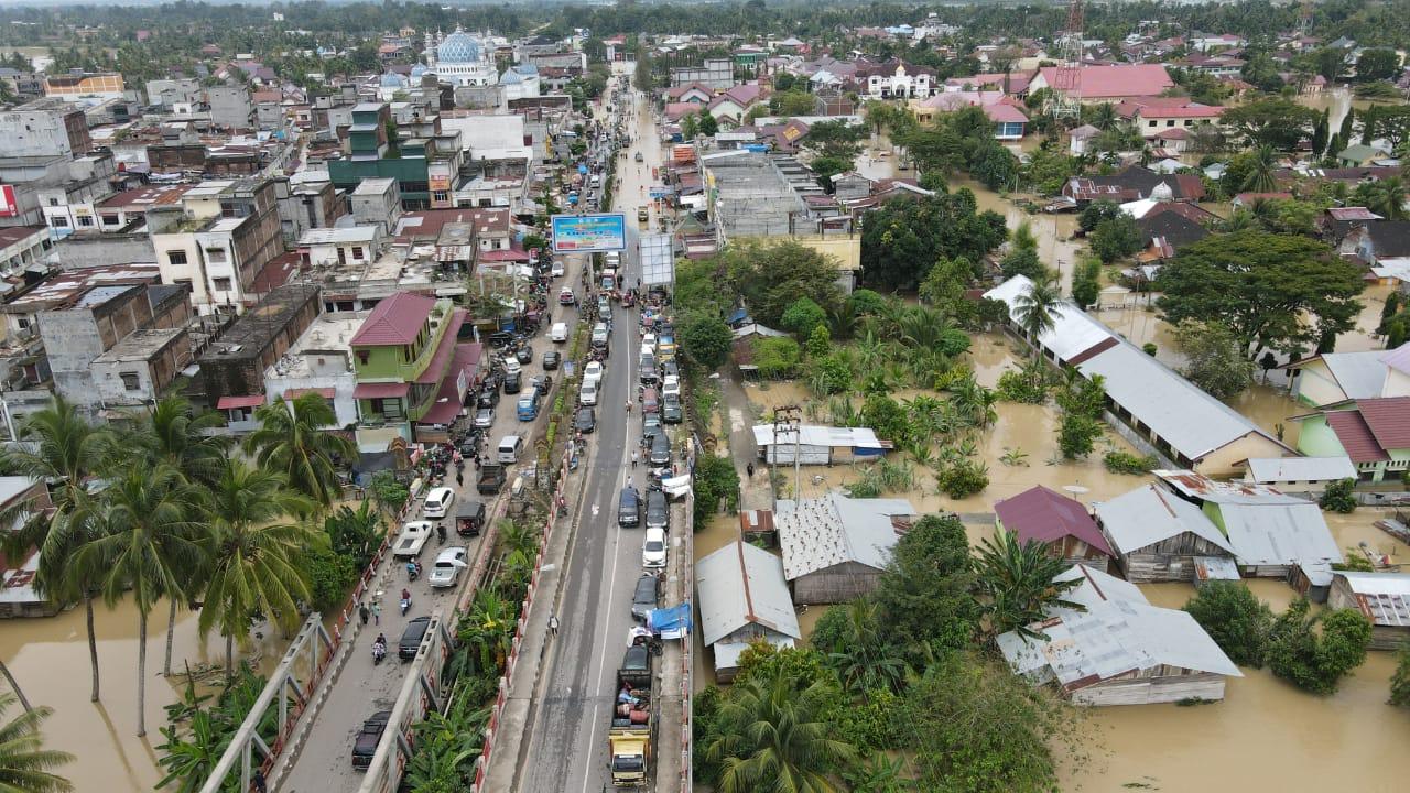 Situasi Hari Ke 4 Banjir Di Aceh Utara Lalu Lintas Mulai Normal The Atjeh Net