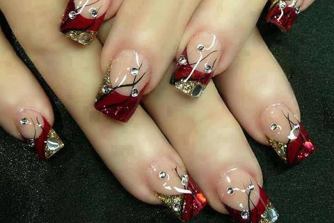 uñas rojas perlas