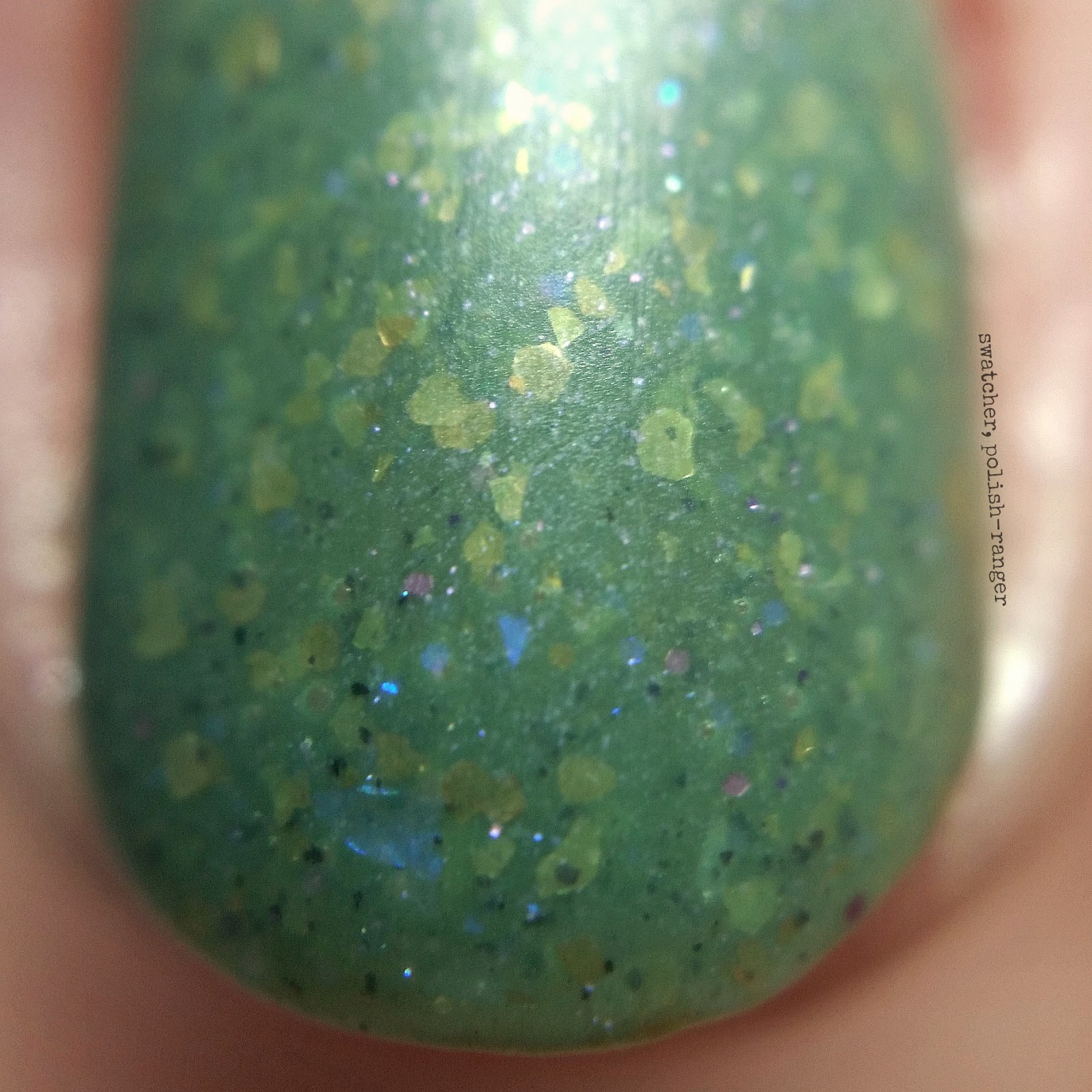 WingDust Collections Olive Me <3s Olive You macro swatch | swatcher, polish-ranger