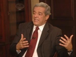 Hatuey de Camps Jiménez  advierte a Miguel Vargas